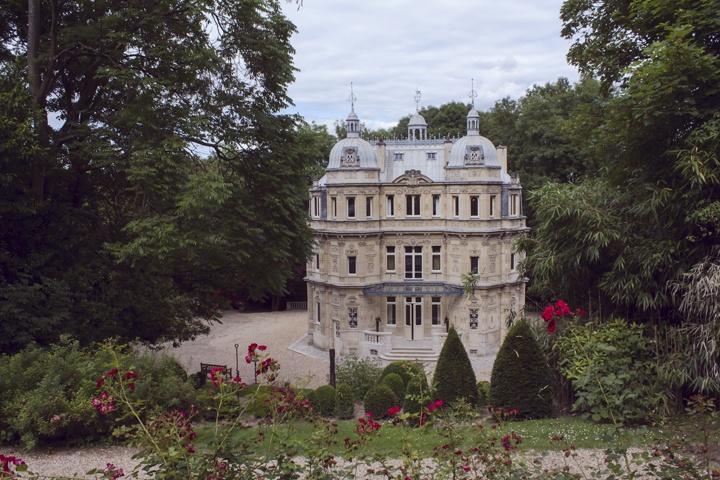 Tempat-tinggal Alexandre-Dumas yang-di-berinama Château-de Monte-Cristo
