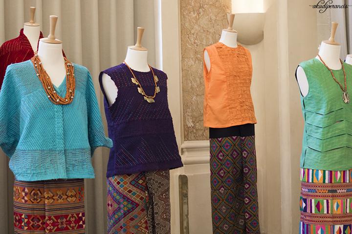 festival-couleurs-dindonesie-2017-berbagai-macam-busana-terbuat -dari-kain-tradisional