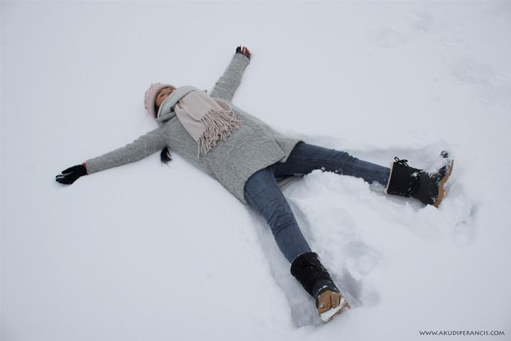 Turunnya Badai Salju Di Paris dan Sekitarnya-tidur di atas salju (1)