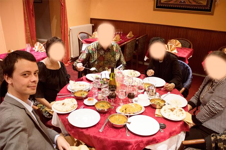 Bersama keluarga makan malam