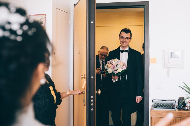 He Brings Me a Bouquet