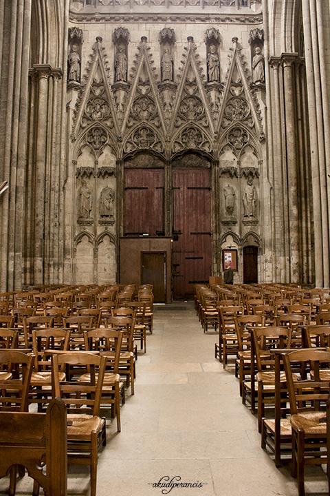ada-apa-di-sekitar-kota-rouen-katedral-kursi