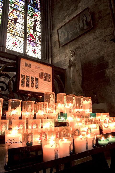 ada-apa-di-sekitar-kota-rouen-katedral-lilin