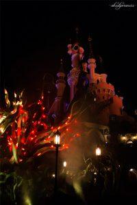 Jalan-Jalan Ke Disneyland Paris-Kastil dimalam hari-