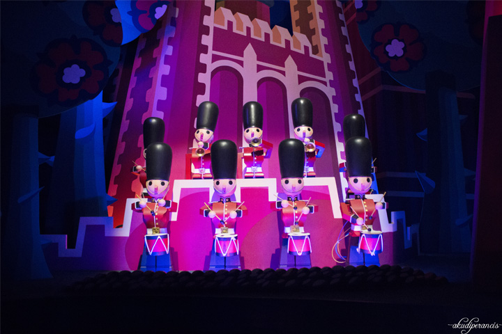 Jalan-Jalan Ke Disneyland Paris-boneka
