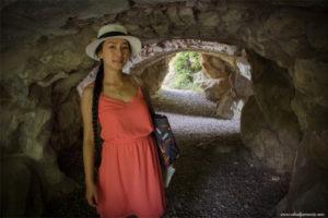 La Grotte des Naïades- tinggi goa hanya sekitar 160cm