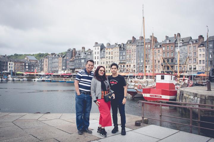 Menjadi Tour Guide Bapak Hilman & Keluarga Tour Ke Hornfleur